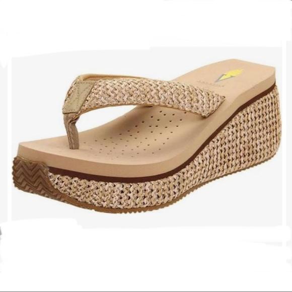 Volatile Island platform sandals 10